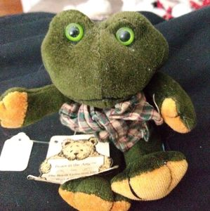 Boyds Bears Erza R. Ribbit with tags